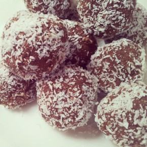 Cacao and chickpea blissballs